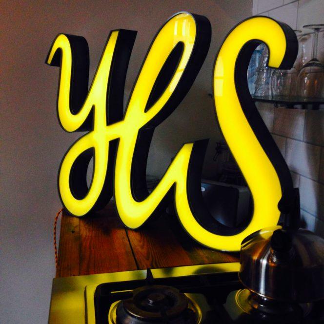 Yes Neon Art